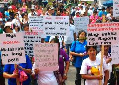 'Gov. Reyes, huwag ibaon sa utang ang Marinduque' -Macec