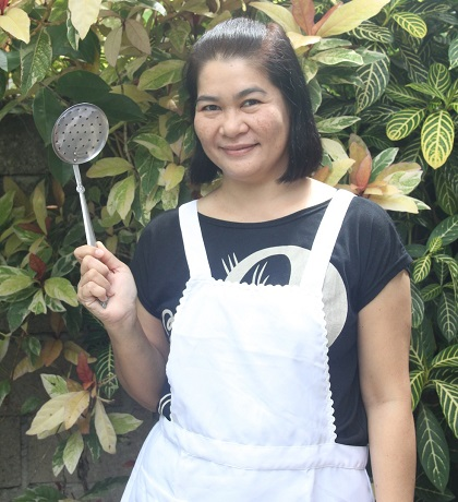Jinky Zulueta Ricamata prepares Guinataang Alimango for Weekend Chef